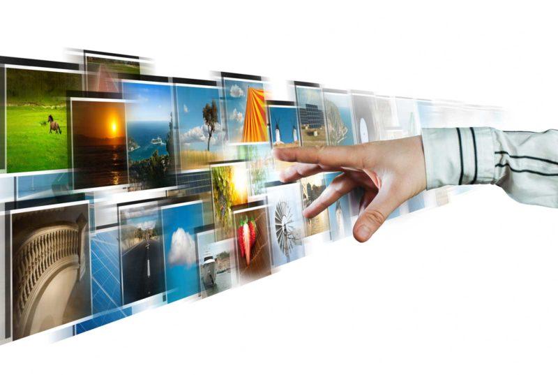 hand-reaching-images-stream